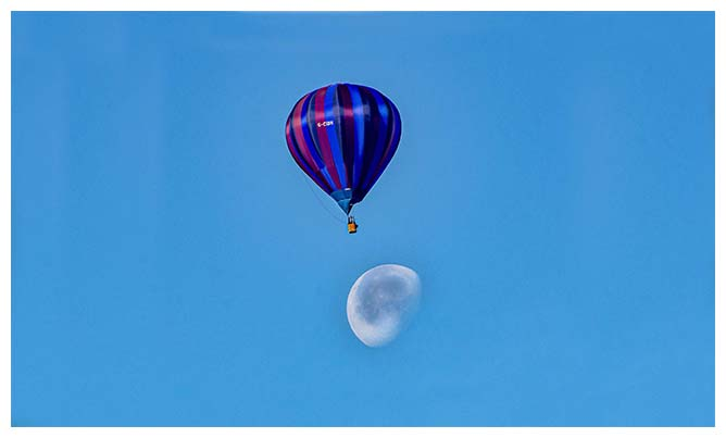 Beautiful Balloons in a clear blue sky.... Click to view...
