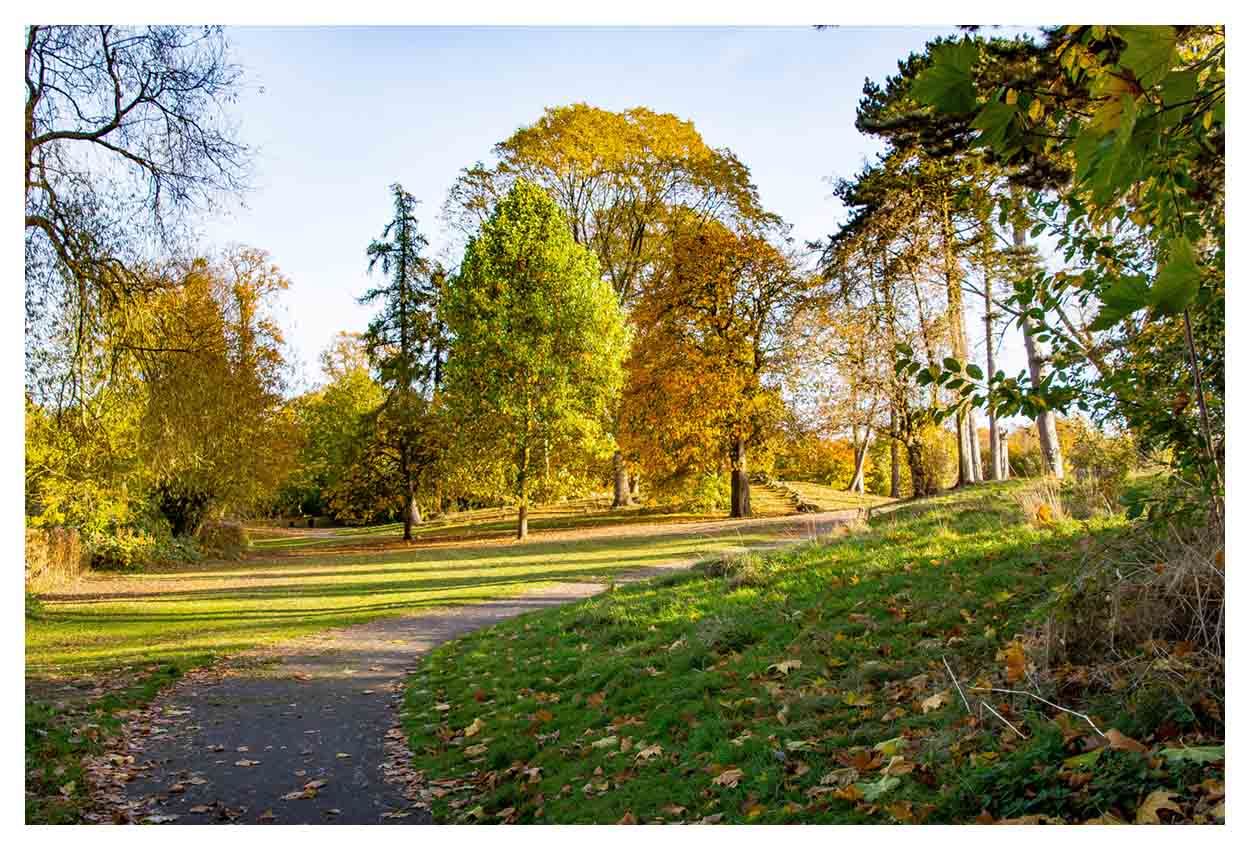 Beautiful Autumn colours at Pittville Park 2016... Click to view....
